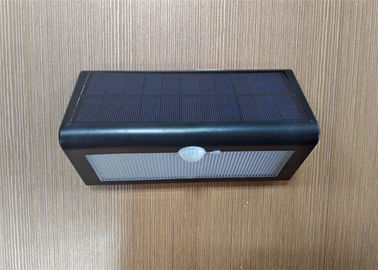 China 500lm 38pc Solar LED Wall Light Cool White Outdoor Activated Security Lighting factory